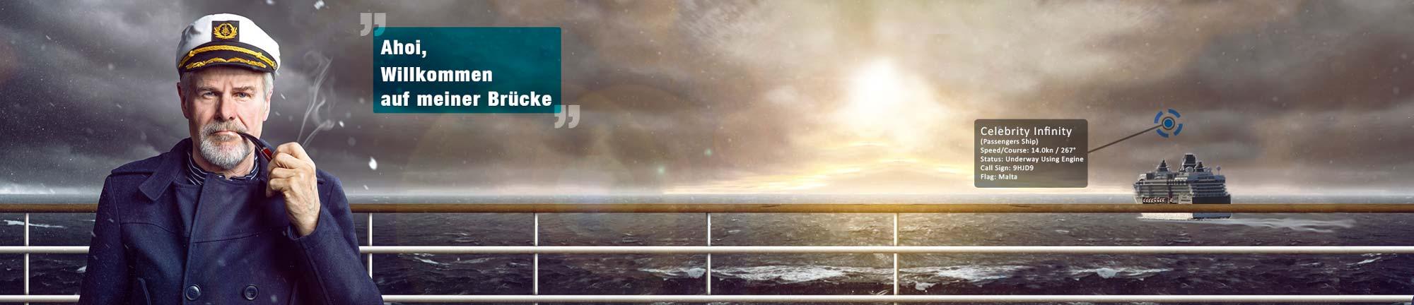 Alter Kapitän auf der Brücke mit Willkommensgruß und Schiff im Hintergrund!